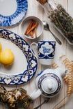 Utensílios de mesa da porcelana fotografia de stock