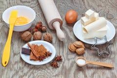 Utensílios dos utensílios da cozinha para cozer no Natal. Foto de Stock