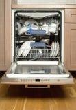 Utensílios na máquina de lavar louça Foto de Stock Royalty Free