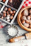Utensili e dadi della cucina Fotografie Stock