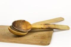 Utensilios de cocinar de madera Imagen de archivo libre de regalías