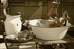 Utensilios de cocinar e items de la vendimia Imagenes de archivo