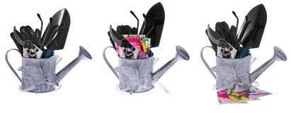 Utensilios de jardinería: regadera, esquileos, hombro, pequeño rastrillo, guantes Fotografía de archivo libre de regalías