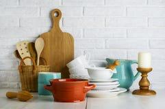 Utensilios de la cocina en la tabla Imagen de archivo