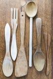 Utensilios de madera de la cocina Fotos de archivo libres de regalías