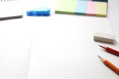 Utensilios del cuaderno y de la escritura Imagen de archivo