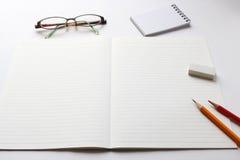 Utensilios del cuaderno y de la escritura Foto de archivo