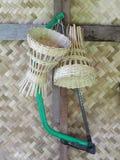 Utensilios del uso del hogar o de la cocina de los bambúes de la artesanía que tejen hecha a mano Imagen de archivo
