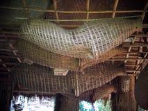 Utensilios del uso del hogar o de la cocina de los bambúes de la artesanía que tejen hecha a mano Foto de archivo libre de regalías