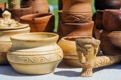 Utensilios hechos a mano de cerámica Fotos de archivo libres de regalías