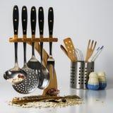 utensils för service för anddatalistkök trevliga Arkivbild
