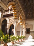 Uteplats de las Doncellas i verklig Alcazar, av Seville Royaltyfria Bilder