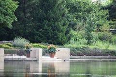 Uteplats på dammet Royaltyfria Bilder