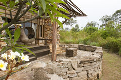 Uteplats på den lyxiga logen, Uganda, Afrika Royaltyfria Foton