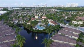 Utfärda utegångsförbud för gemenskap för klubba hus i Florida Fotografering för Bildbyråer