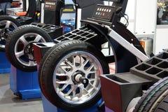 utför service gummihjulet Royaltyfri Bild