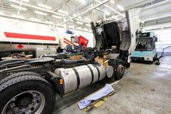 utför service lastbilar Royaltyfri Bild