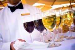 utför service wine Fotografering för Bildbyråer