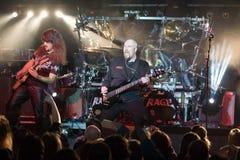 utför tysk heavy metal för bandet ursinne Arkivfoto