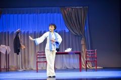 Utförande konstnär - den historiska magiska magin för stilsång- och dansdramat - Gan Po Royaltyfri Fotografi