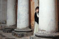 Utformade Retro danar ståenden av en ung kvinna. Arkivbilder