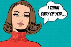 Utformar den gulliga retro kvinnan för popkonst i komiker med meddelandet Royaltyfri Fotografi