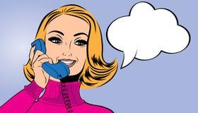 Utformar den gulliga retro kvinnan för popkonst i komiker samtal på telefonen vektor illustrationer
