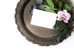 Utformat materielfoto Kvinnlig sammansättning för sommarbröllopstilleben, modellplats Closeup av tappningsilvermagasinet, mellanr royaltyfri bild