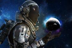 Utforskning futuristiska astronaut för A av galaxbegreppet Arkivfoton