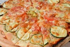 utgångspunkten gjorde pizza Royaltyfri Bild