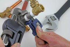 Utgöra järnpipeworken som är klar för konstruktion Arkivfoton