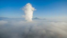 Uthärdat av molnen i himlen Royaltyfria Bilder