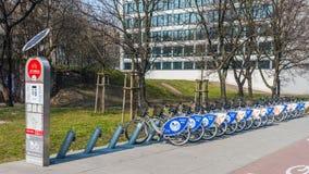 Uthyrnings- station för cykel royaltyfria foton
