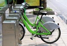 Uthyrnings- station för cykel Arkivbild