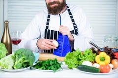 Utile pour la quantité importante de faire cuire des méthodes Procédés de cuisson de base Ingrédients de côtelette i image libre de droits