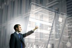 Utilisant des technologies innovatrices Photos stock