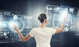 Utilisant des technologies innovatrices Image libre de droits