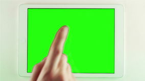 Utilisant le PC de Tablette avec l'écran vert