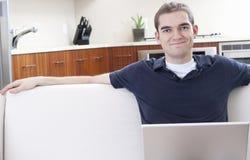 Utilisateur heureux d'ordinateur portatif Images libres de droits
