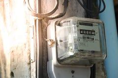 Utilisation de mesure de puissance de mètre de courant électrique photos libres de droits