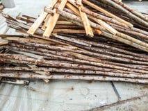 Utilisation du bois de support de shutter des panneaux de construction photo libre de droits
