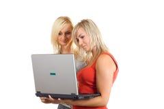 Utilisez l'ordinateur portatif Images libres de droits