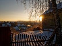 Utkant av lilla staden i vinter Arkivfoton