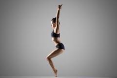 utkatasana瑜伽姿势的变异 库存照片