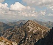 Utkik från det Spalena maximumet i Rohace berg Arkivbild