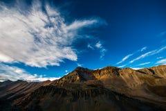 Utkikmaximum som sett från Ophir Pass Colorado Royaltyfri Foto