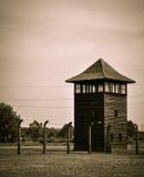 Utkiktorn på den Auschwitz - Birkenau koncentrationsläger, Polen royaltyfri bild