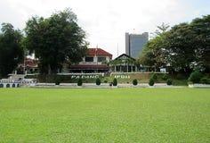 Utländsk turist på Ipoh Padang royaltyfri bild