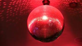 Utmärkt ljust färgrikt spegelförsett skraj rotera för belysning för lampa för garnering för tak för nattklubb för diskobollparti lager videofilmer