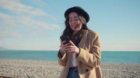 Utomhus- aktiviteter av modernt tonårigt arkivfilmer